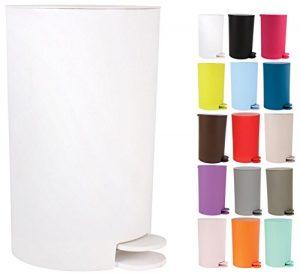 Abfalleimer mit Tret-Funktion in der Farbe weiß